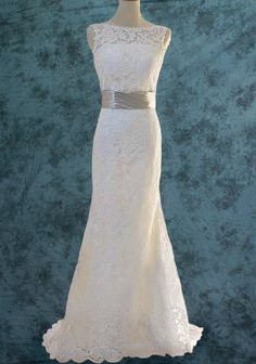 Lace Wedding Dress . Gorgeous
