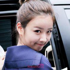 That stare  Credit: pinknomfan - #Apink #parkchorong #chorong #yoonbomi #bomi #sonnaeun #naeun #jungeunji #eunji #kimnamjoo #namjoo #ohhayoung #hayoung #kpop #에이핑크
