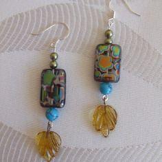 Boucles d'oreille perle dichroïque, cristal de swarovski, feuille transparente.