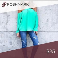 """🆕 Hanging Neck off the Shoulder Top Hey ladies!!! Look at these tops. Off the shoulder hanging neck . Has to buttons on back the button.Elastic at top for a good stretch at bust. These can be classy , sexy or casual. Color may vary slight due to lighting  Polyester material   Large: bust 37"""" to 40""""             Length 26"""" Bewitched Boutique Tops Tees - Long Sleeve"""