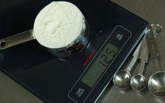 Υλικά - Αντιστοιχία όγκου σε γραμμάρια | Γιάννης Λουκάκος Measurement Conversions, Home Food, What To Make, Kitchen Hacks, Cooking Timer, Food And Drink, Ice Cream, Tasty, Sweets