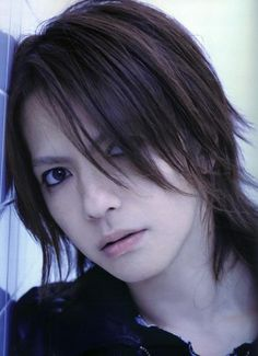Find images and videos about hyde, vamps and l'arc-en-ciel on We Heart It - the app to get lost in what you love. Trendy Mens Hairstyles, Modern Hairstyles, Afro Hairstyles, Straight Hairstyles, Haircuts, Emo Hair, Curly Hair Men, Short Dark Hair, Short Hair Cuts
