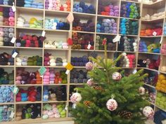Craft Night Blog: Craft Hunting in Berlin wool shop at Christmas