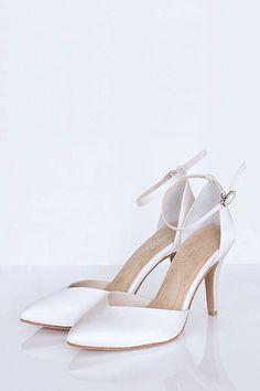 Milonga Pump Side, sexy and sleek. Love this look for any wedding dress.