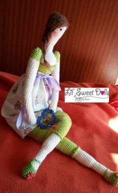 https://najmaworld.wordpress.com/2015/03/08/tilda-crochet/ muñeca crochet Tilda ganchillo