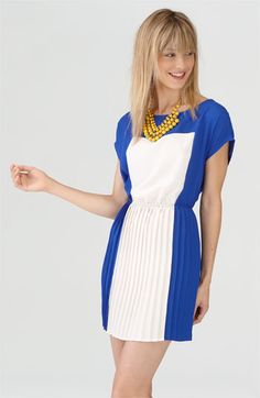 blue, white, yellow. i want this dress!