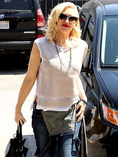 Star Tracks: Monday, June 2, 2014 | CITY GIRL | Gwen Stefani happily soaks up a little sunshine while running errands Friday afternoon in L.A.