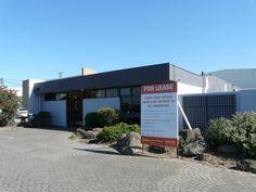 30 Webb Road , Airport West, Melbourne, 3042 - located near public transport, 325m2, internal courtyard, reception, large open plan office, boardroom, kitchen, 13 car parks