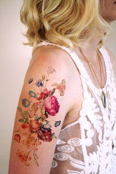Großes vintage temporäres Blumen Tattoo