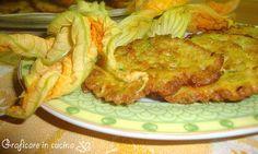 Frittelle di zucchine e fiori di zucchina | Graficare in cucina