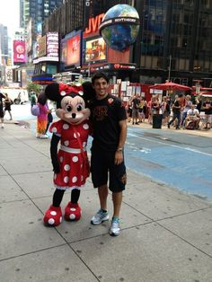 Nico Burdisso and Minnie! #asroma #ustour