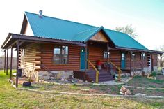 Acorn Vacation Homes has a variety of beautiful properties for rent in Sulphur near the Chickasaw National Recreation Area in southern Oklahoma. There are pet friendly options, kitchens, fireplaces and even one with a sun room.