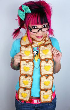 Toast Scarf with Butter Hearts---haha, not sure if I'd be brave enough to wear this, but it's so funny!