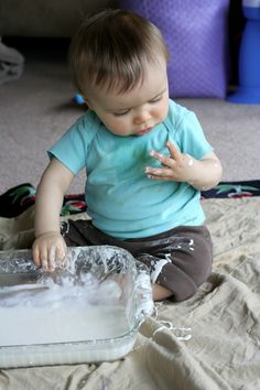 Link to 7 Super Easy Sensory Plays for babies through preschoolers. Two ingredients or less and items are all commonly found in a house!