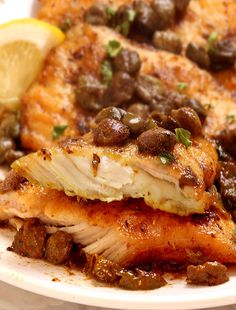 Tender, Buttery Melt in your mouth Easy Chicken Piccata! A few simple ingredients, 35 minutes, to make this delicious restaurant quality meal at home! Pan Fried Chicken, American Dishes, Delicious Restaurant, Chicken Piccata, Chicken Seasoning, Soul Food, Breads, Chicken Recipes, Kitchens