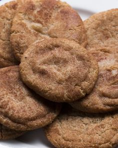 The best soft and chewy snickerdoodles Cookie Desserts, Just Desserts, Cookie Recipes, Delicious Desserts, Dessert Recipes, Yummy Food, Gf Recipes, Pastry Recipes, Cookie Bars