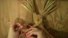 The Corizon is a traditional Mexican wheat weaving that was used as a house blessing. This version is my slight alteration to the traditional design. Magic Crafts, Diy And Crafts, Arts And Crafts, Card Weaving, Weaving Art, Straw Weaving, Basket Weaving, Corn Dolly, Straw Art