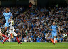Blog Esportivo do Suíço:  Manchester City vence fácil e confirma ida à Champions