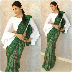 Have a look at the latest blouse designs trends for this year. Stylish Blouse Design, Fancy Blouse Designs, Sari Blouse Designs, Sari Design, Designer Kurtis, Choli Dress, Saree Blouse, Style Indien, Robe Diy