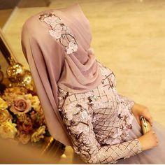 Fashion Arabic Style Illustration Description for questions and – Read More – Abaya Fashion, Muslim Fashion, Fashion Dresses, Fashion Wear, Bridal Hijab, Hijab Wedding Dresses, Cool Girl Pictures, Hijab Dpz, Kurti Embroidery Design