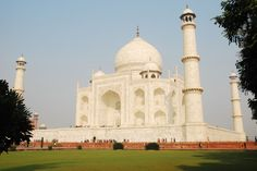 Enjoy Private Sunrise Taj Mahal Tour by car from Delhi with Classic Tours India, in the early morning to arrive at the iconic Taj Mahal by sunrise. Taj Mahal, Horse Carriage Rides, Tourism India, Underground Tour, India Travel Guide, Historical Monuments, Luxury Holidays, Agra, Car Rental