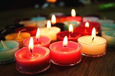 The Best Odor Eliminating Candles to Get Rid of Dog Smells Old Candles, Candle Wax, Signs Of Dementia, Dog Smells, How To Make Oil, Paraffin Wax, Christmas Candles, Candle Making, Scented Candles