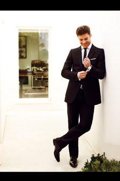 Xabi Alonso and Nagore Aranburu for Vogue España Xabi Alonso, Football Boyfriend, Fc Liverpool, Gents Fashion, Vogue Spain, Boy Poses, Well Dressed Men, Good Looking Men, Men Looks