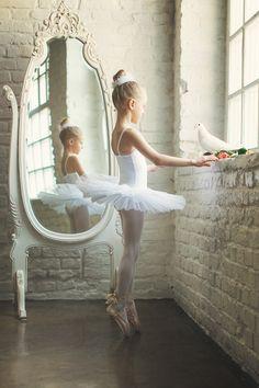 Theme: Ballet Girl