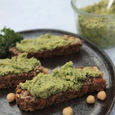 Auch als Dip auf dem Protein-Brot toll. Superfood, Hummus, Savoury Dishes, Food Styling, Avocado Toast, Kale, Dip, Sweet Tooth, Food Photography