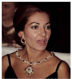 Maria Callas Maria Callas, Sleeping Women, Opera Singers, Queen Elizabeth Ii, Fine Jewelry, Jewellery, Diva, Royal Navy, Diamonds