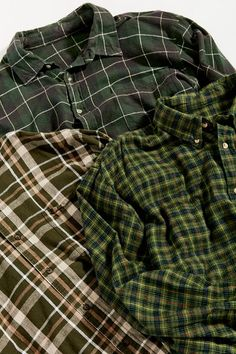 Urban Renewal Recycled Oversized Flannel Button-Down Shirt Green Flannel, Plaid Flannel, Oversized Flannel, Aesthetic Clothes, Retro Aesthetic, Cool Outfits, Fashion Outfits, Tough Girl, Look Cool