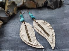 Feather+earrings.+Leather+feather+earrings.+Tribal+by+VelmaJewelry