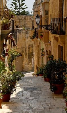 Narrow Street in Mdina, Malta. The silent city - a walled city (fort) on the hill in the middle of Malta. Beautiful views!!!