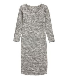CONSCIOUS. Fitted knee-length dress in organic cotton jersey with 3/4-length sleeves.