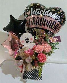 Gradúa Happy Graduation Day, Diy Graduation Gifts, Graduation Decorations, Balloon Decorations, 21st Birthday Basket, Diy Birthday, Birthday Bouquet, Gift Bouquet, Balloon Gift