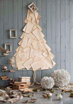 http://decoracion.facilisimo.com/blogs/general/arboles-de-navidad-en-la-pared_964579.html