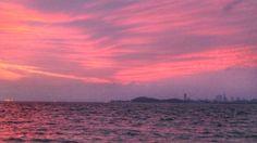 28  June 5:00 朝焼け(sunrise glow)の博多湾です。 Morning  at  Hakata bay in Japan