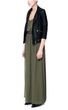 'Mix' en la colección de primavera de @· ZARA · Trafaluc: maxi vestido con detalle étnico y 'biker' motera