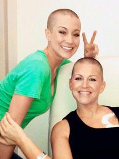 Kellie Pickler, shaved her head for her BFF