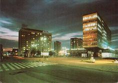 Biurowiec przy dawnej Armii Czerwonej i zamknięty kilka lat temu hotel Silesia. Zdjęcie ze zbiorów Marka Wójcika #katowice #PRL #silesia