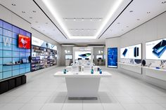 Samsung Experience Store Interior Design - Custom Mobile Cell Phone Shop In. Retail Store Design, Retail Shop, Visual Merchandising, Mobile Shop Design, Samsung Store, Mobiles, Digital Retail, Pharmacy Design, Electronic Shop