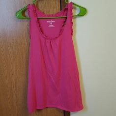 Tank top for women Cute little ruffled tank top for ladies. Never worn but without tags. Excellent condition Tops Tank Tops