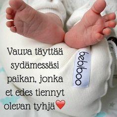 #vauva #rakkaus #toukokuiset2017 #finnishbaby #unipesä #bebiboofinland #vauva2017 #vauvamasu #vauvalle #sydän #vauvat #vau #vauvakuvaus #vauvanvaatteet #vauvauinti #kesäkuiset2017 #tyttövauva #poikavauva #raskaus #imetys #imetyskoru #raskaana http://ift.tt/2ttP6FW