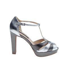 #sandalia Amberes en #plata. #sandal #silver @Sacha London . .