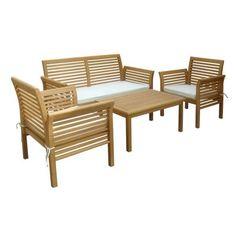 Dieses ideal aufeinander abgestimmte Gartenmöbel-Set ist ein Muss für alle, die im Sommer gerne Mahlzeiten in der Sonne zu sich nehmen. Das Set bietet mit einer 2-Sitzer-Bank und 2 Sesseln Platz für die ganze Familie. Ein ca. 40 cm hoher Tisch komplettiert das Ensemble aus massivem Akazienholz. Für bequemen Sitzkomfort sorgen Sitzkissen in Naturfarben. Diese Gartenmöbel läuten den Sommer ein!