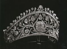 Diamond Kokoshnik of Grand Duchess Elena Vladimirovna of Russia, who married Prince Nicolas of Greece. Circa early 1900s.