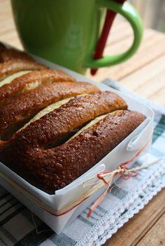La ricetta della felicità: Cake di mele con farina integrale e yogurt magro.