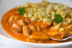 Paprika chicken with spaetzle - recipe - Seafood Recipes Creamy Seafood Pasta, Healthy Meal Prep, Healthy Recipes, Spaetzle Recipe, Seafood Boil Recipes, Boiled Food, Healthiest Seafood, Brunch, Seafood Dinner