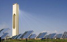 Nuevo récord de eficiencia fotovoltaica: 40.4%. Científicos de la UNSW (Australia) baten el récord de eficiencia fotovoltaica empleando celdas fotovoltaicas comerciales existentes en la actualidad. La nueva tasa de conversión de luz en energía eléctrica se ha fijado en un 40.4%, y se ha conseguido con energía solar de concentración, además de un filtro óptico que ha servido para mejorar la captura.  #Actualidad, #Energiasrenovables