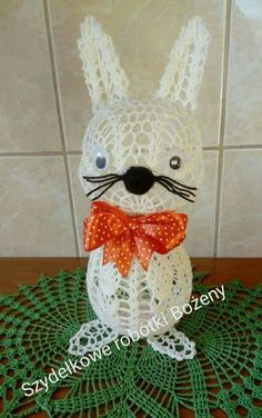 Easter Crochet, Crochet Shoes, Crochet For Beginners, Crochet Doilies, Easter Baskets, Happy Easter, Bunny, Christmas Ornaments, Holiday Decor